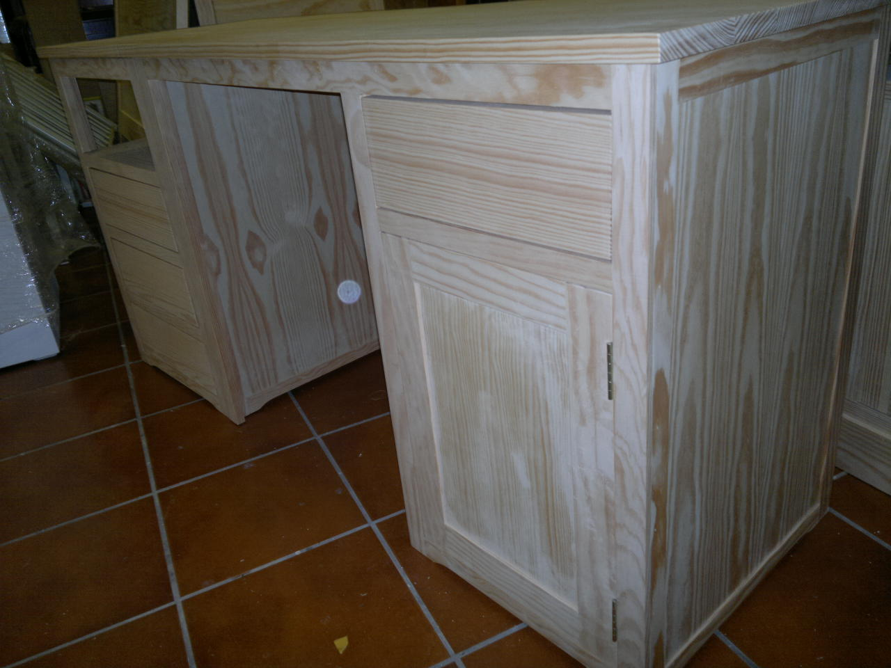 Escritorio en dos piezas blanco roto muebles artesa - Como pintar un mueble de blanco ...