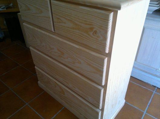 Cómoda madera de pino sin pintar