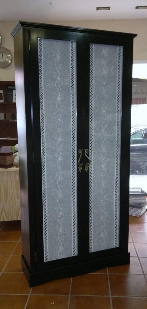armario puertas acristaladas