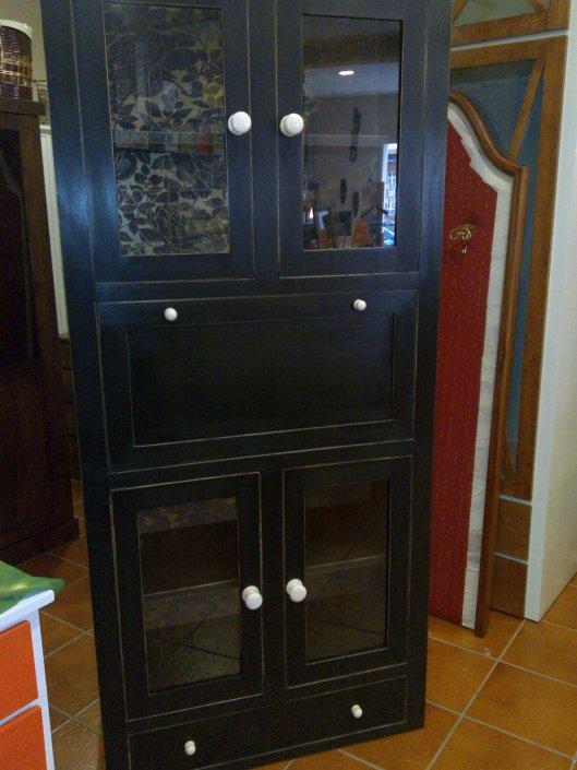 Vitrina madera con puertas de cristal muebles artesa - Vitrina a medida ...