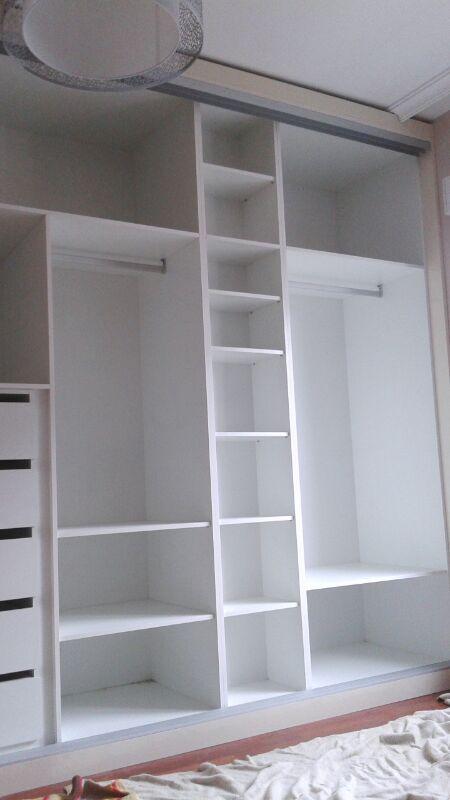 Puertas correderas muebles artesa - Distribucion armario infantil ...