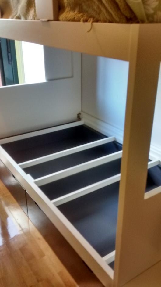 Habitaci n cama doble con armario escalera de cajones - Doble cama nido con cajones ...