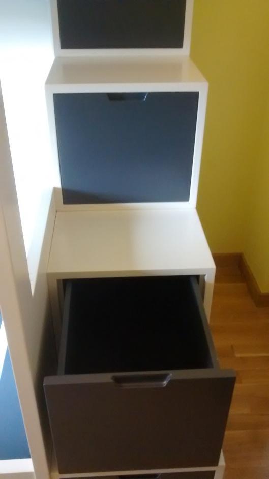 Detalle cajón escalera