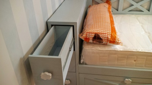Patinado muebles artesa for Cama nido con cabecero